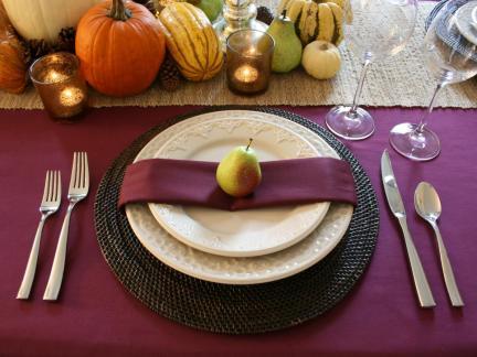 rms-chasingpaige_purple-fall-table-setting_s4x3-jpg-rend-hgtvcom-966-725